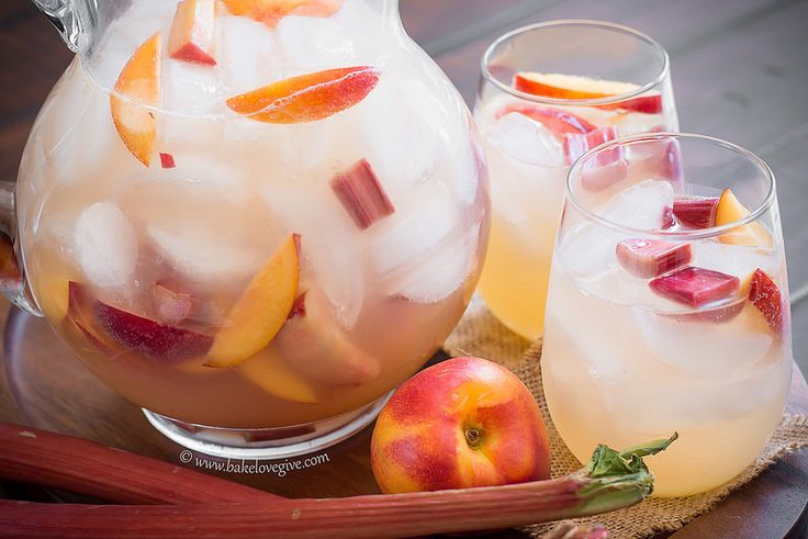 late spring sangria - bake.love.give.