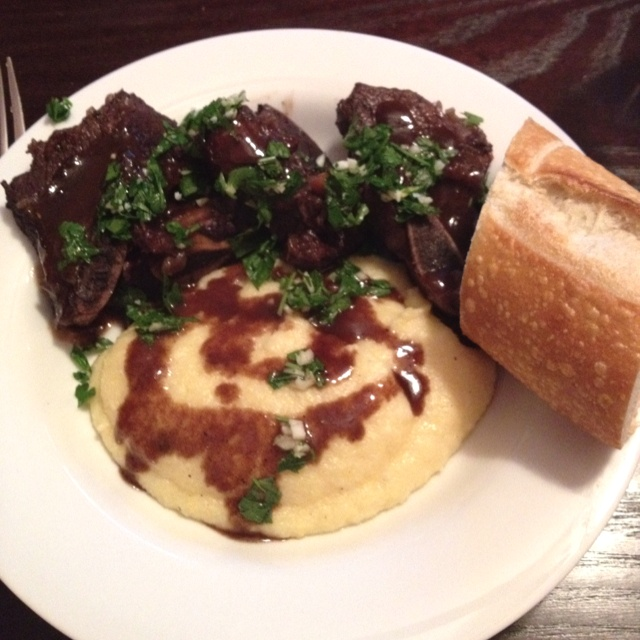 Braised short ribs with creamy polenta | Food! Get in my belly! | Pin ...