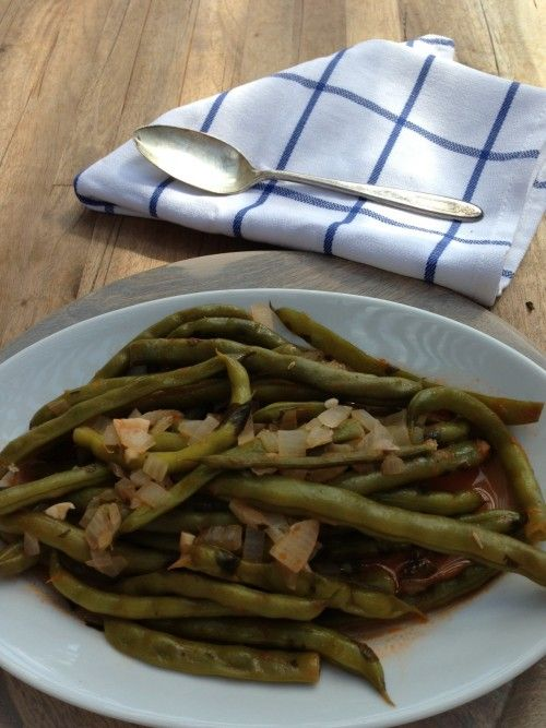 Greek Green Beans In Tomato Sauce (Fasolakia) Recipe — Dishmaps