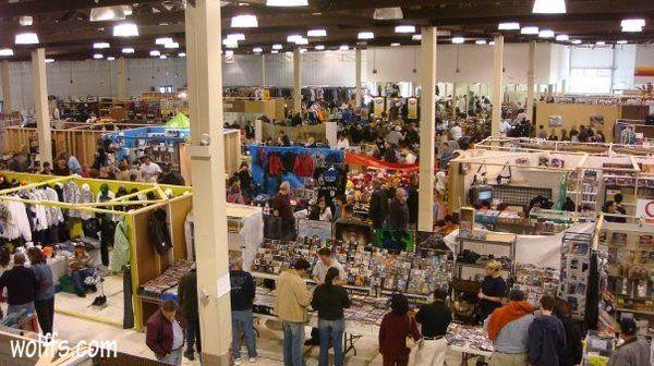 Wolff's Indoor Flea Market   Exploring in Chicago!   Pinterest