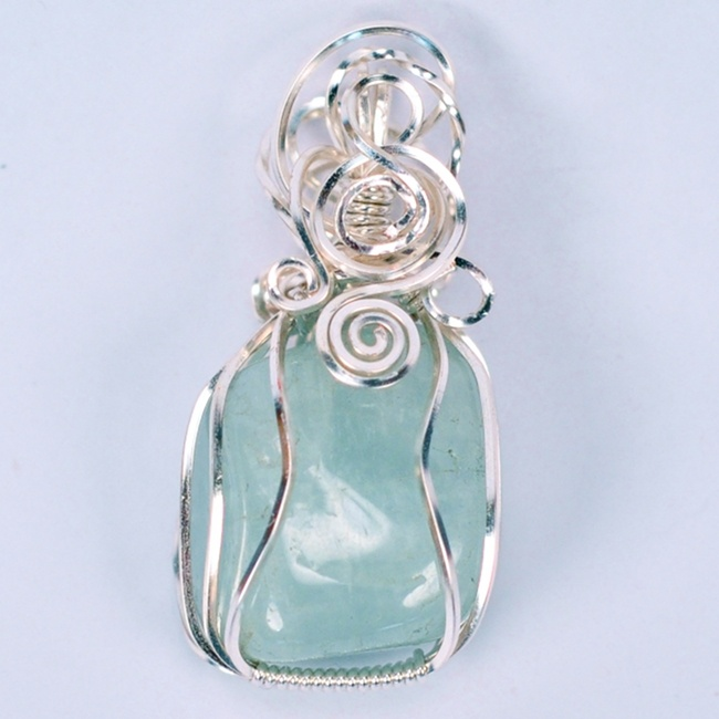 Wire wrapped aquamarine
