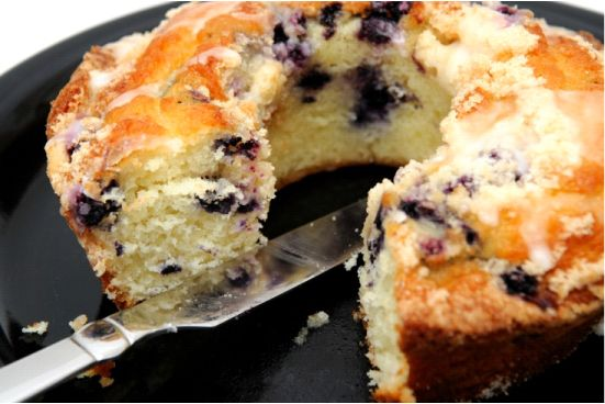 Blueberry Crumb Cake-- this looks like a good breakfast recipe for ...