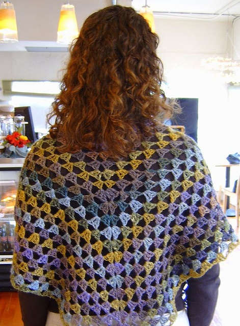 triangle granny crochet & knit Pinterest