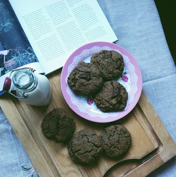 tahini chocolate chunk sea salt cookies | Edibles: Pretty Things and ...