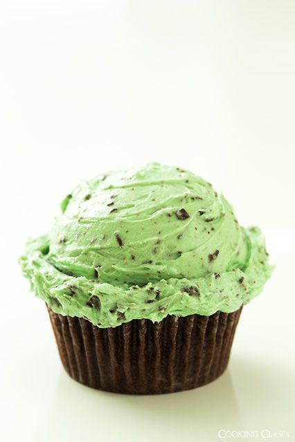 Chocolate Cupcakes with Fluffy Mint Chocolate Chip Buttercream Frosting | cookingclassy.com