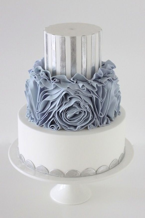 Wow your guests with a cake that's gorgeous and delicious! #weddingcakes