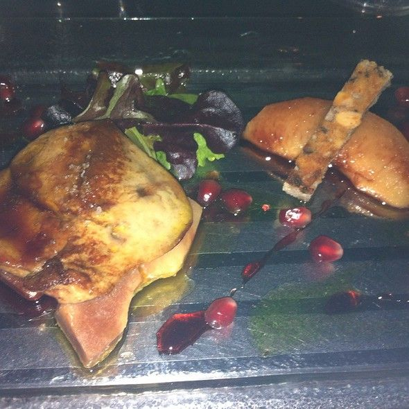 Sautéed Duck Foie Gras, Quince, Pomegranate And Walnut Bread - at Vin ...