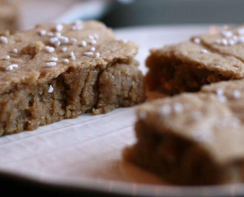 Cinnamon Blondies | desserts | Pinterest