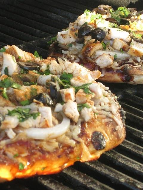grilled bbq chicken pizza | Yummy Ideas | Pinterest