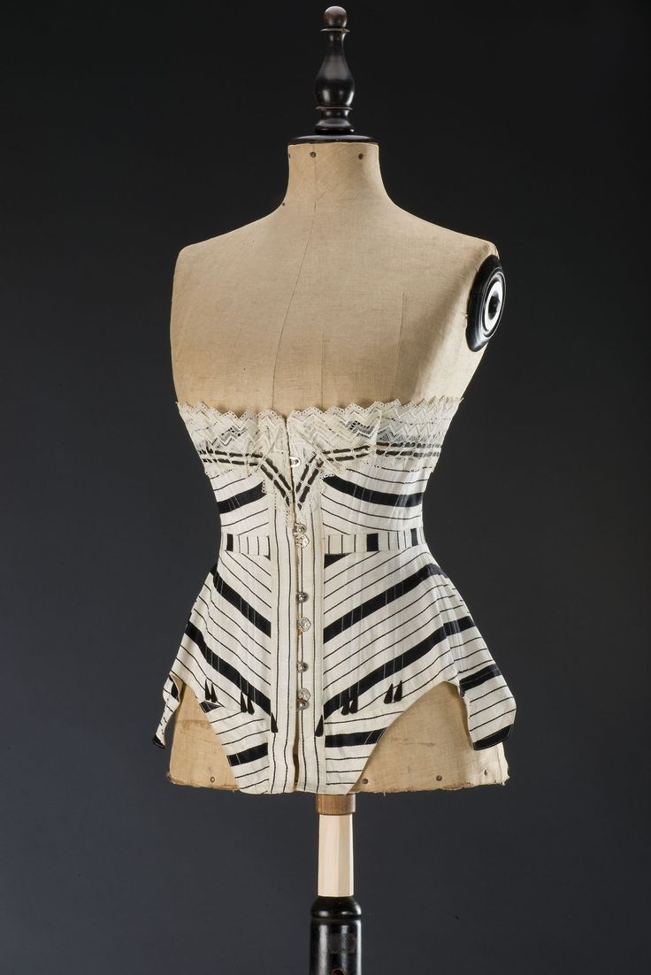 Corset c. 1905, from the Museum of Decorative Arts in Prague. #RareAntiques #EuropeanAntiques