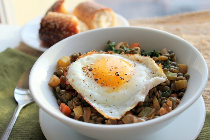 Braised french lentils with veggies and herbs