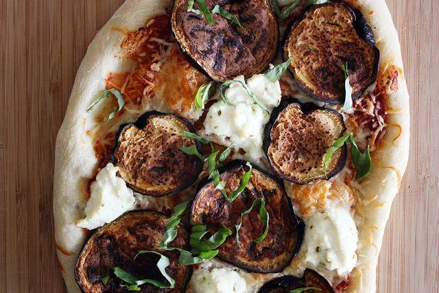 Jim Lahey's No-Knead Pizza Dough via Girl Versus Dough.