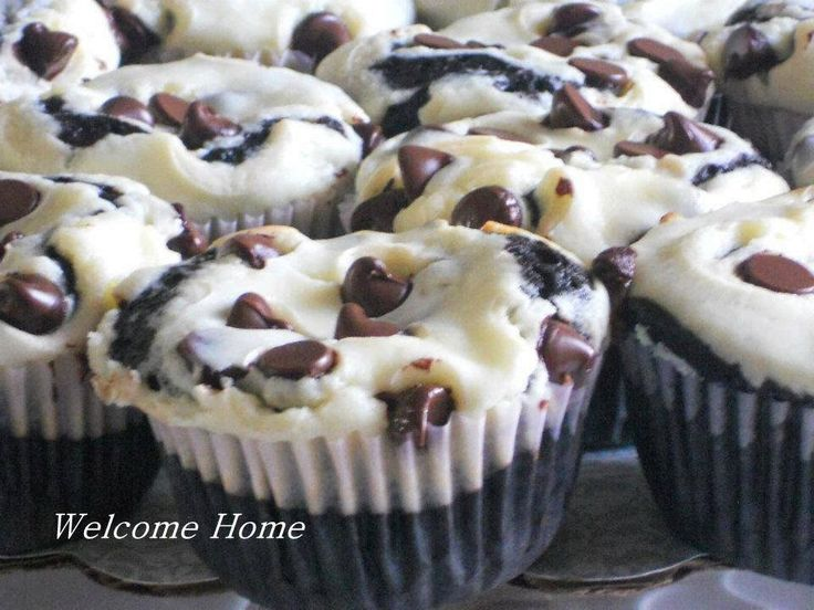 Black Bottom Cupcakes ~http://www.welcome-home-blog.net/2014/04/black ...