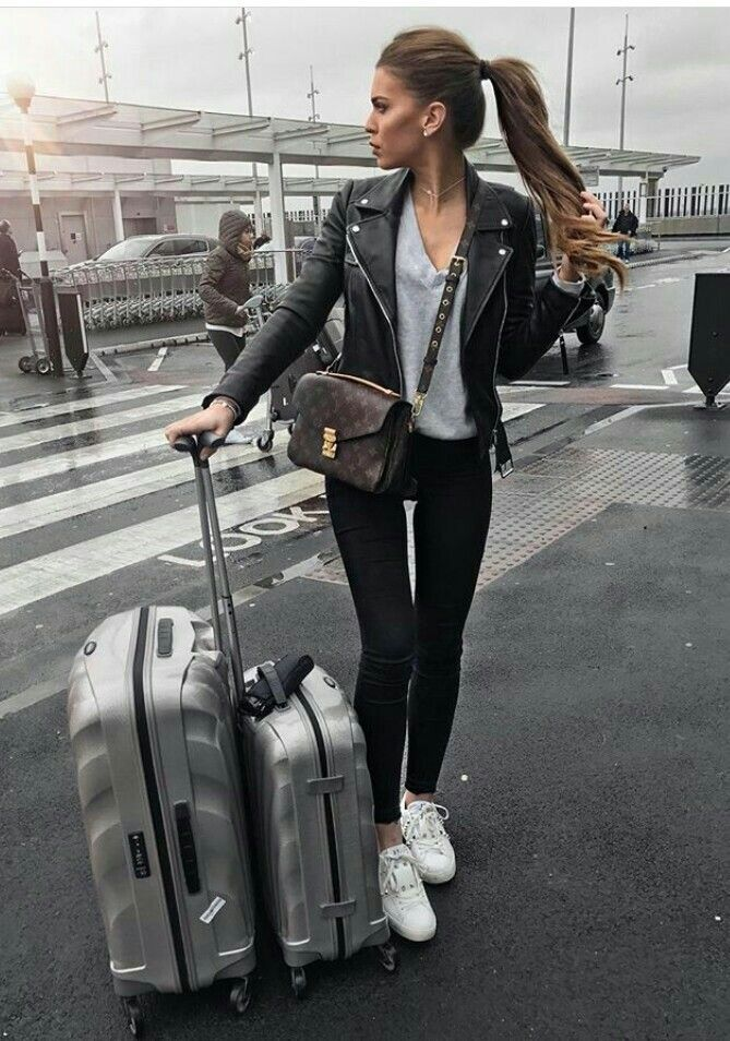Travel With Style: 15 Summer Airport Outfits