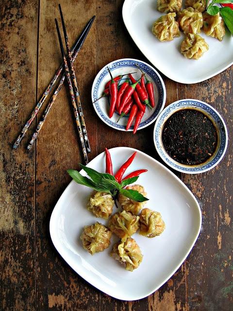 sweetsugarbean: Easy Appie: Red Curry Shrimp Dumplings