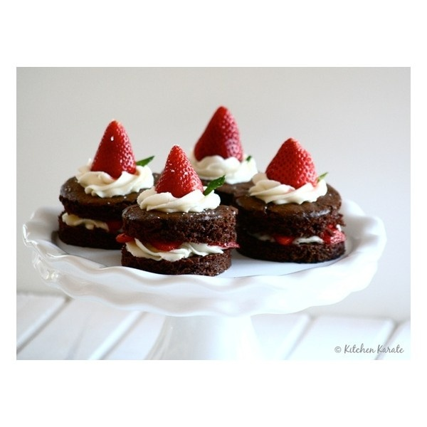 Strawberry-Chocolate Freezer Pie liked on Polyvore