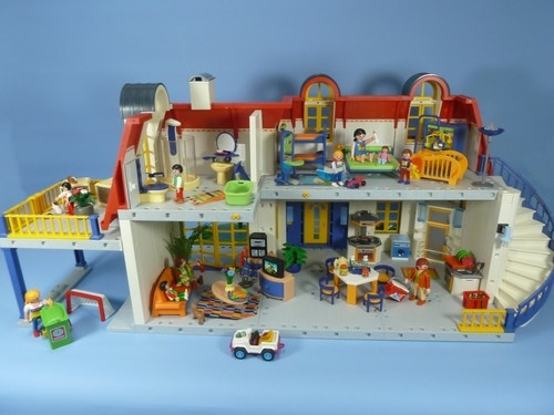 Playmobil modern house back good old days pinterest for Maison moderne playmobil