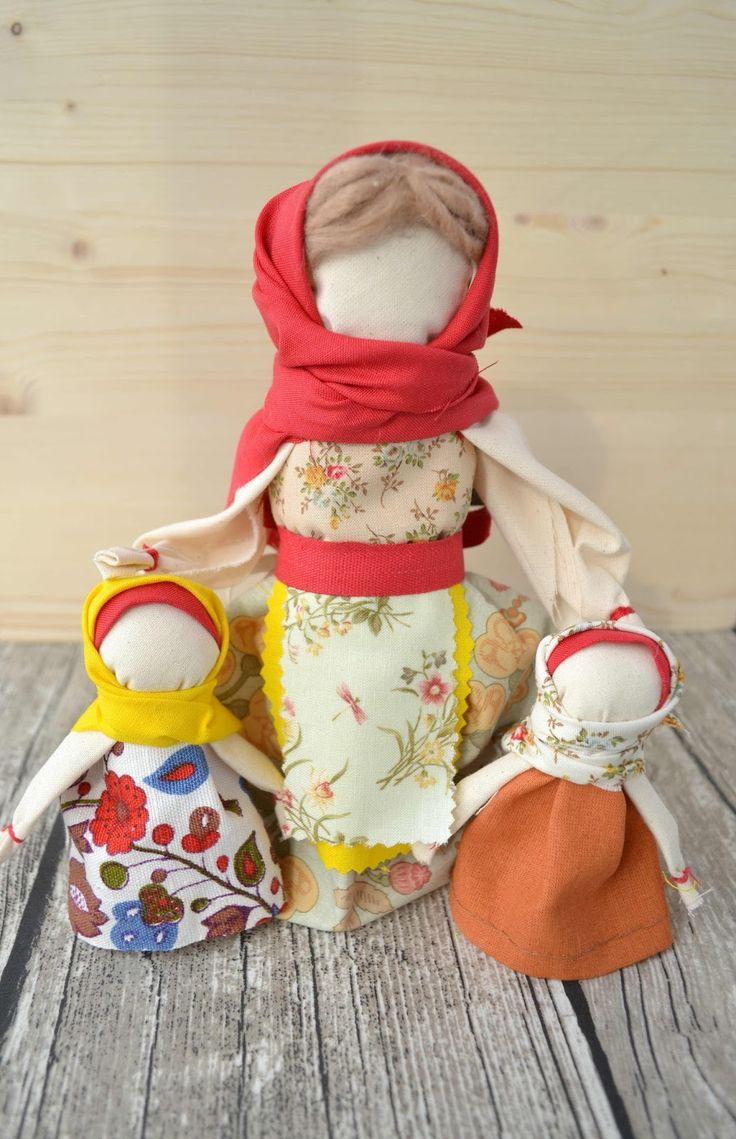 Как сделать с детьми мотанку куклу