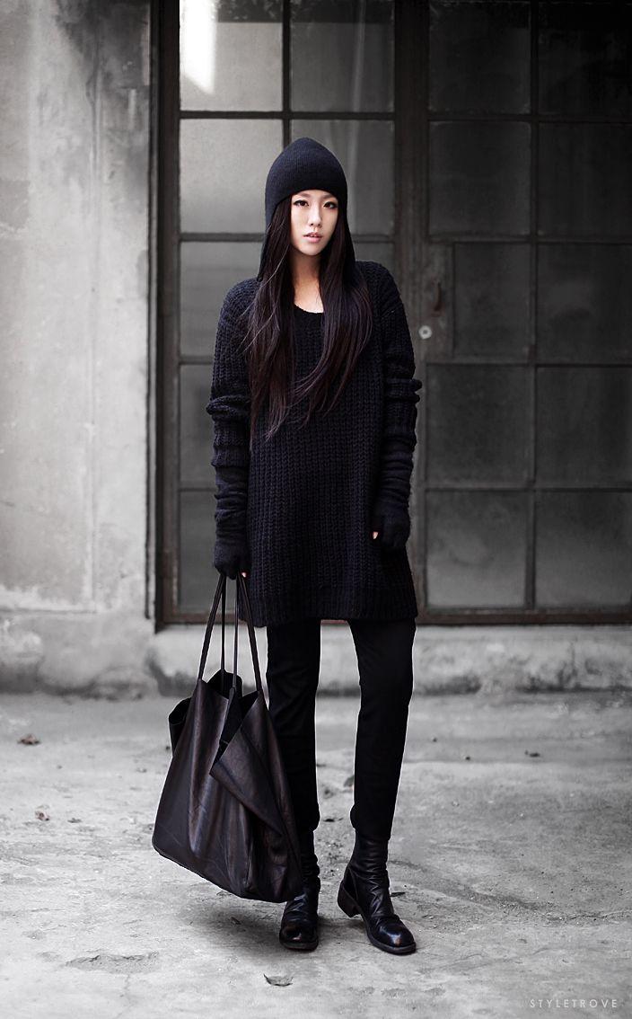 Head-to-toe black. So modern, so chic.