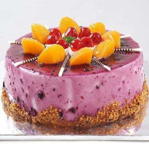 Berry Iced Cake | Cakes | Pinterest