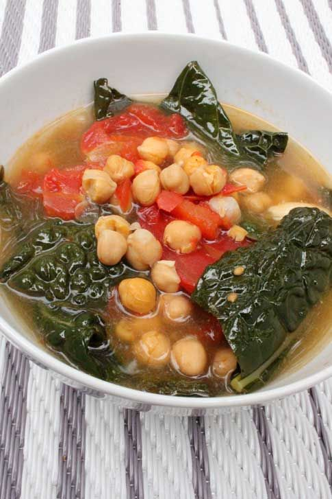 Kale and Chickpea Soup | Eating Clean | Pinterest