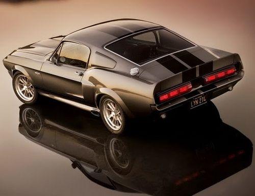Ford Mustang w wersji z roku 1967 (źródło grafiki: Pinterest)