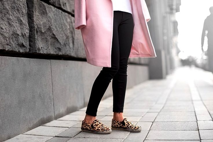 pink coat with leopard shoes