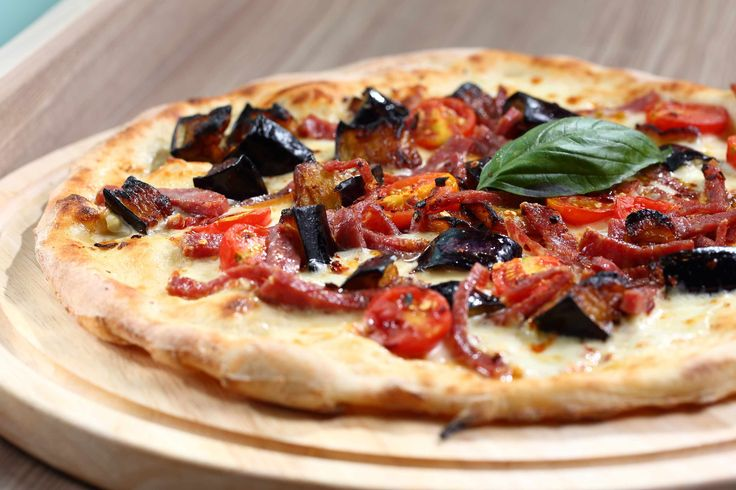 PIZZA CALABRESE Mozzarella Cheese, Cherry Tomato, Smoked Scamorza ...