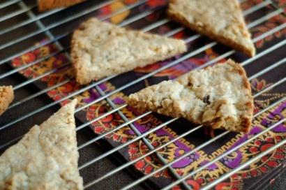 Walnut Vanilla Bean Shortbread | Recipe