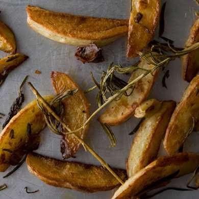 Rosemary and Garlic Roasted Potatoes | Recipe