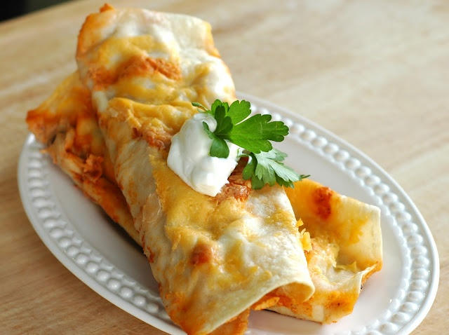 Keeper!!  Good Thymes and Good Food: Creamy Chicken Enchiladas