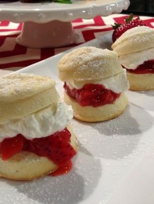 Strawberry Shortcake Sliders | Party Food | Pinterest