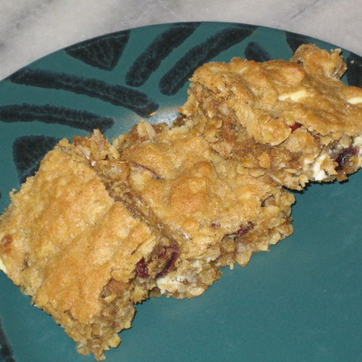 Chewy Cherry Vanilla Oatmeal Cookie Bars Recipe