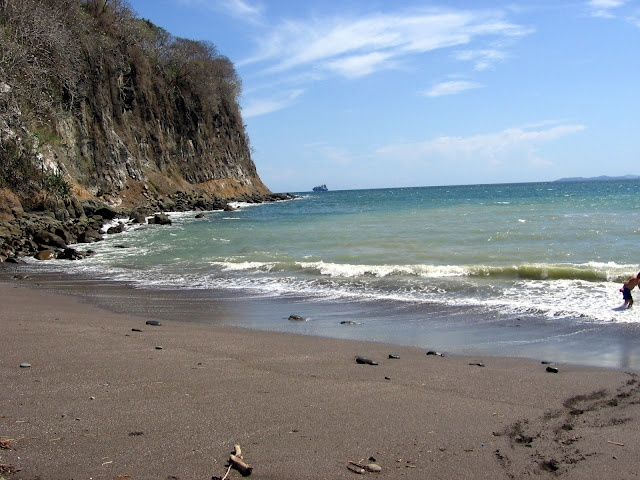 Black sand beach in costa rica oh the places you 39 ll go for Black sand beaches costa rica