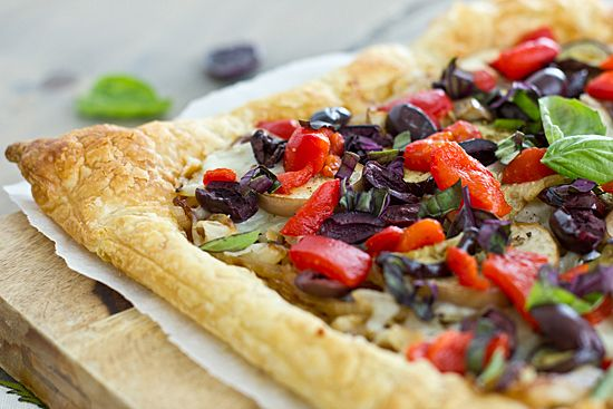 Caramelized Onion & Eggplant Puff Pastry Tart with Kalamata Olives, Roasted Red Peppers & Basil I want to make this. Gonna modify (gluten free and add some pesto :)
