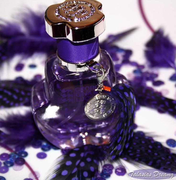 perfume George Gina Lucy Think Wild .