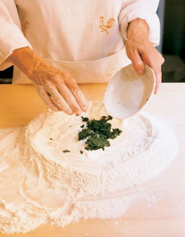 How to Make Spinach Pasta - Photo Gallery | SAVEUR