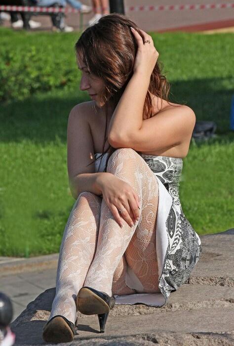 voyeur women in sexy undies