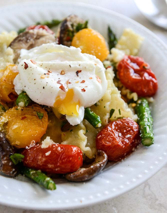 Springtime Pasta with Blistered Tomatoes and Eggs I howsweeteats.com ...