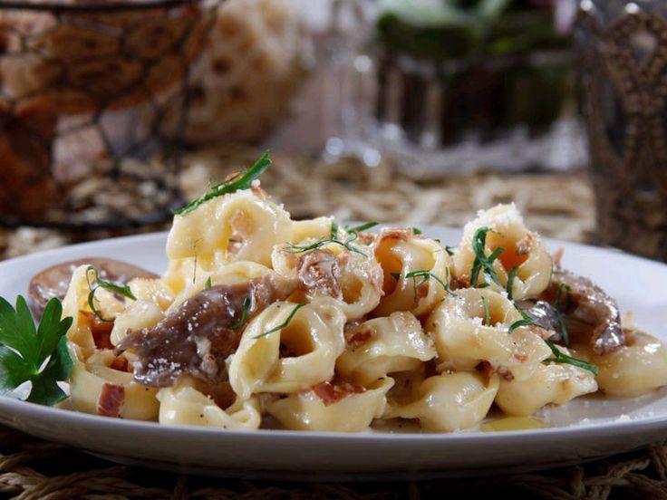 Barilla® Three Cheese Tortellini with Wild Mushrooms & Prosciutto in ...