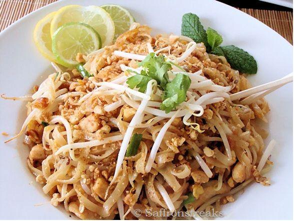 chicken pad thai | Recipe Hoarder | Pinterest