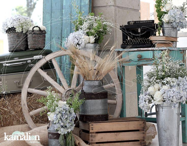 www.kamalion.com.mx - Decoración / Country / Rustic / Blue & Gray / Gris & Azul / Decor / Flores / Flower / Detalles originales.