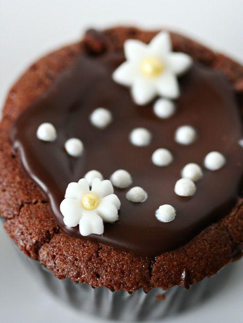 Flourless Chocolate Cupcakes | | CIOCCOLATO AMORE MIO! | Pinterest