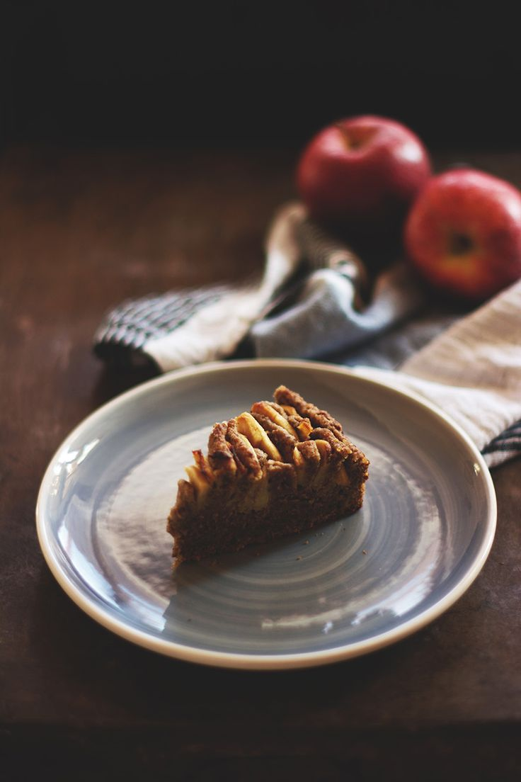Rustic apple cake - vegan, gluten-free