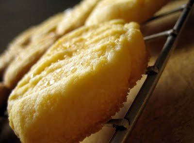 lemon cornmeal shortbread cookies | Everybody Likes Sandwiches