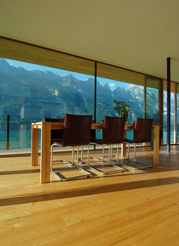 Noteworthy Modern Home Overlooking Lake And Mountains