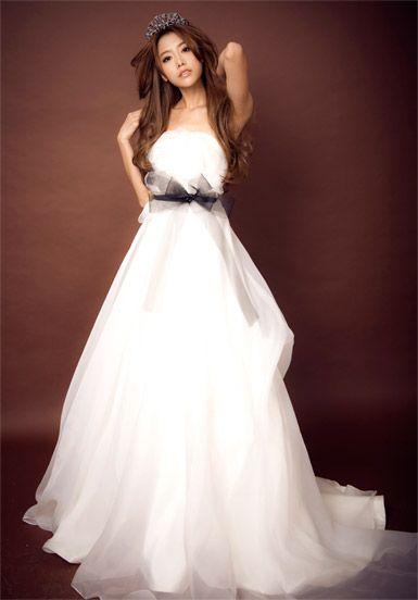 model dress bridal
