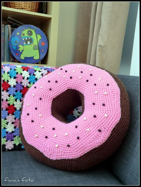 Crochet Donut Pillow : Crochet donut pillow :D Crafts: Crochet Pinterest