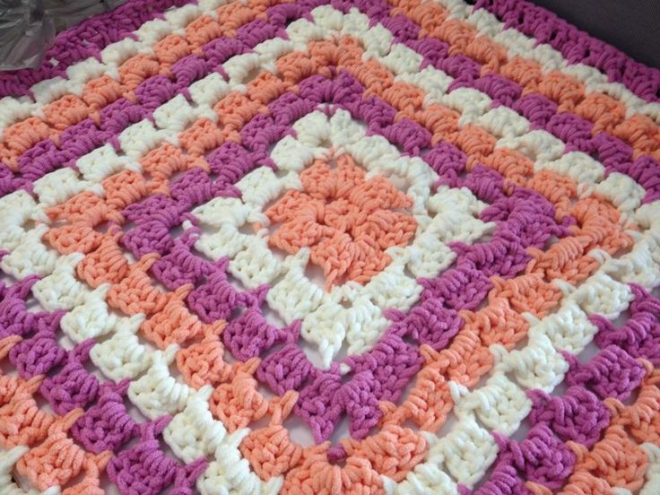 Crochet Patterns For Baby Blankets With Bulky Yarn : Pin by LizAnne Eggers on crochet projects Pinterest