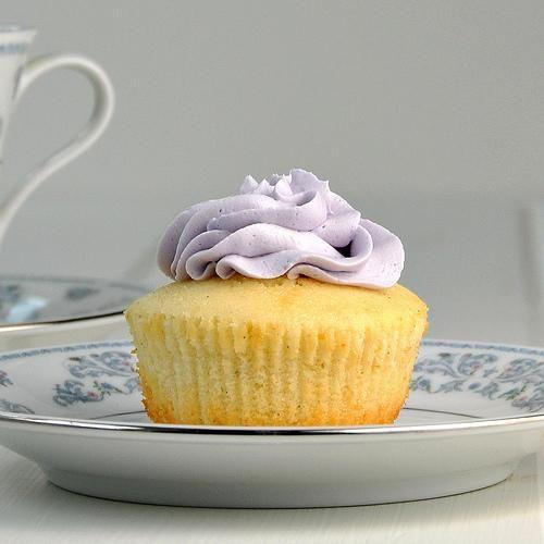Vanilla Bean Cupcakes   omg cupcakes!!!   Pinterest